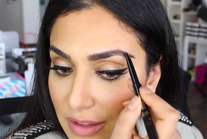 Eyebrow filling tips for women