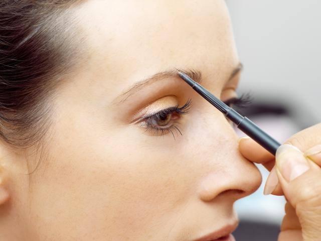 Filling in eyebrows tutorial
