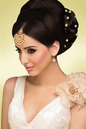 Stupendous 30 Indian Wedding Hairstyles For Picture Perfect Brides Short Hairstyles For Black Women Fulllsitofus