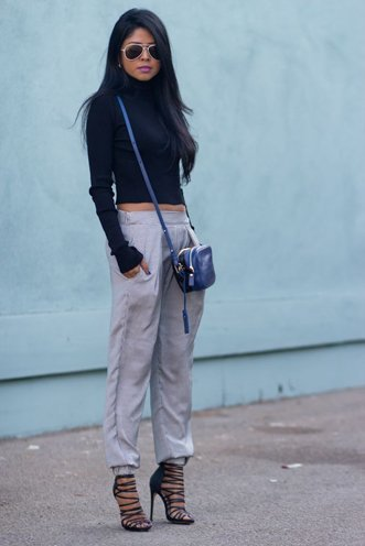 how to wear relaxed fit pants