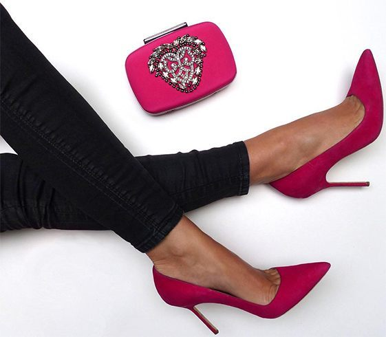 Manolo pink clutch shoe