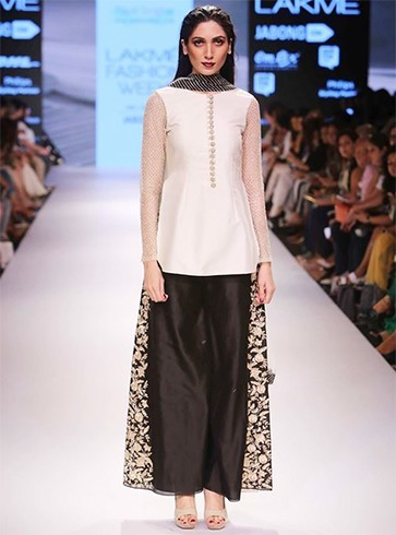 Payal singhal outfits