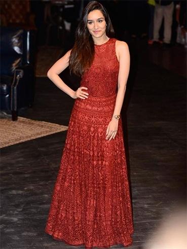 Shraddha Kapoor in Manish Malhotra Outfit