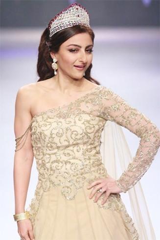 Soha Ali Khan show stopper for Swarosvki