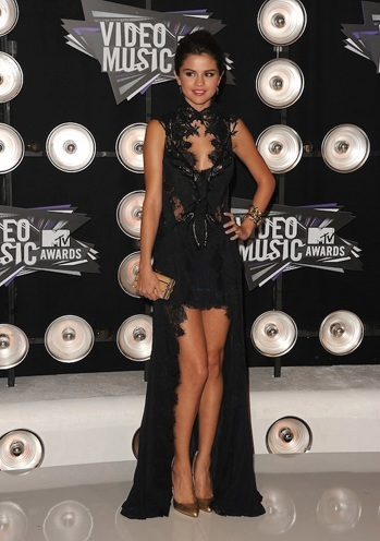 Best Selena Gomez Fashion