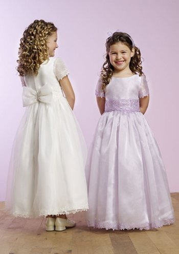 Best traditional flower girl dresses