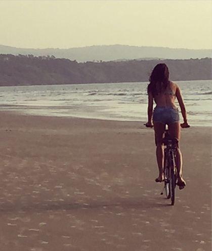 Lisa Haydon cycle style