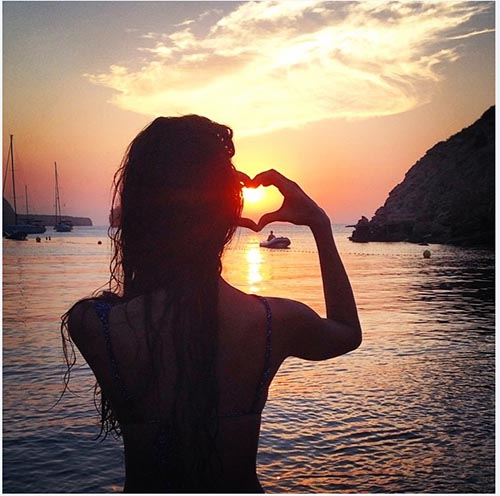 Lisa Haydon sunset picture