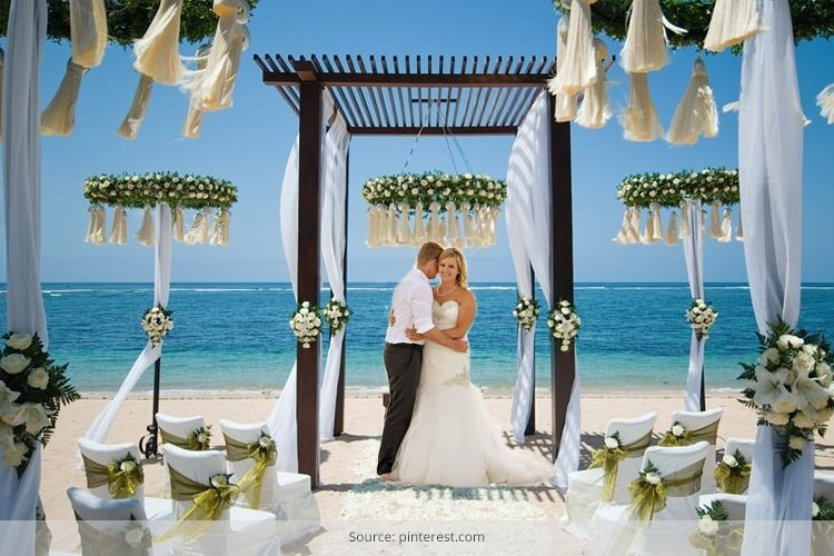 Gorgeous Beach Wedding Ideas To Think Of This December