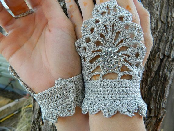 Crochet gloves for winter