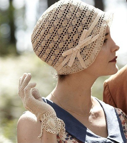 Crocheting With Your Fingers : Bringing Back Beautiful Crochet Gloves For Fall/Winter 2015