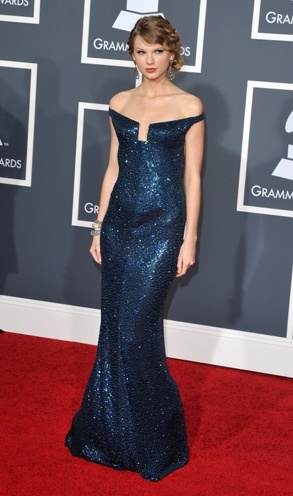 taylor swift red carpet dresse