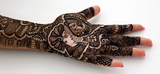 Awesome karva chauth couple Mehndi Design for Full Hands