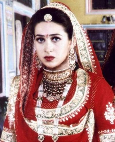 Karishma Kapoor makeup tips