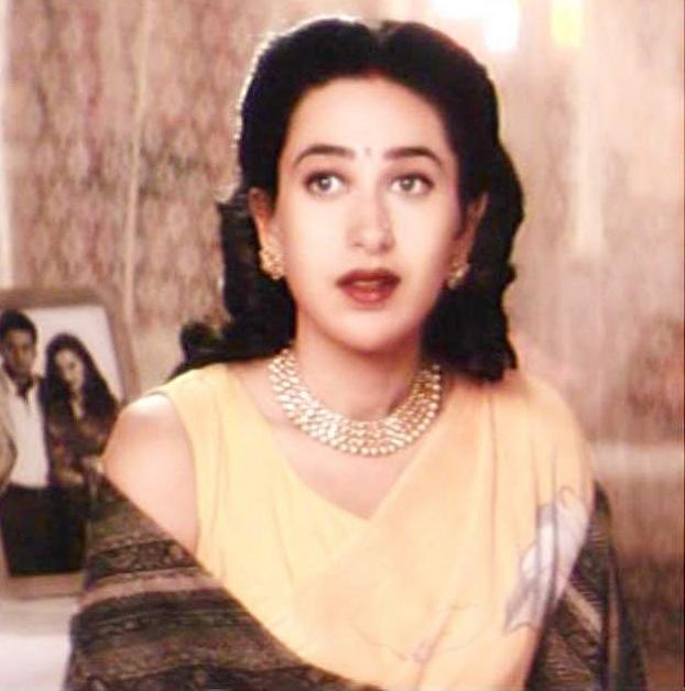 Karishma Kapoor style fashion