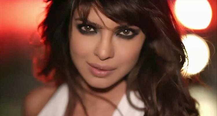 Priyanka Chopra Smokey Eye Makeup