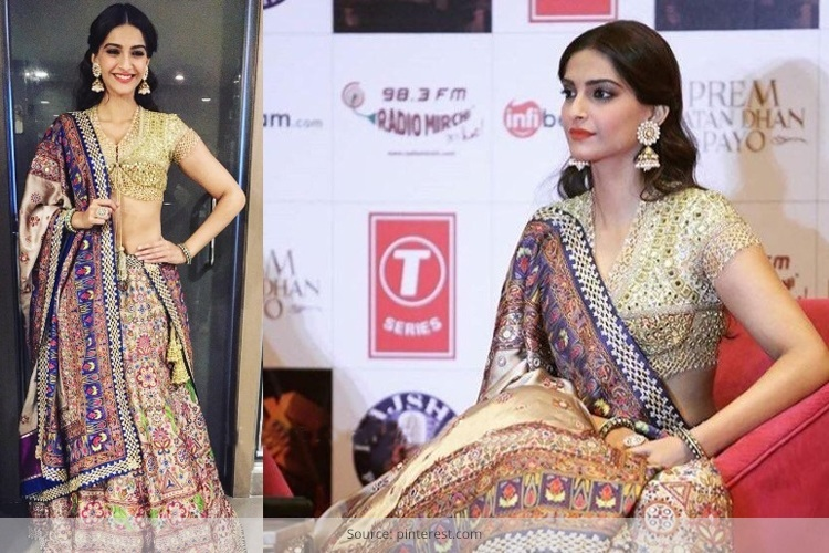 Sonam Kapoor In Abu Jani and Sandeep Khosla Lehenga