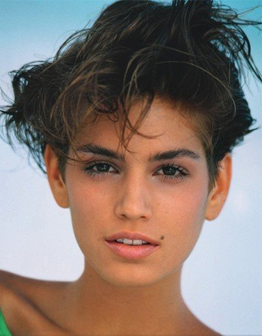Cindy crawford pixie look