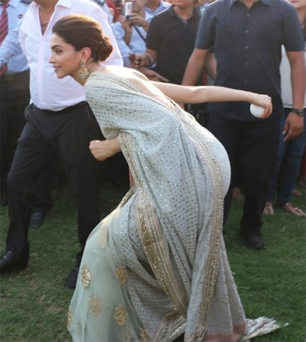Deepika Padukone at jaipur polo