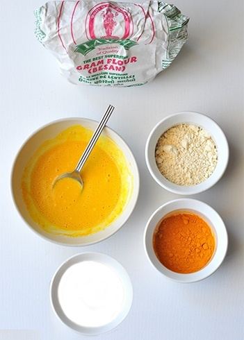 Rramflour milk and turmeric