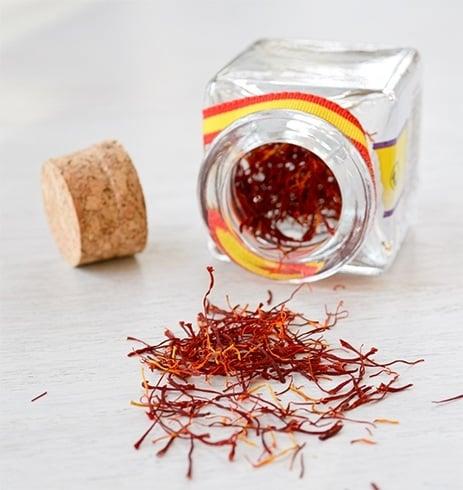 Saffron for pimples