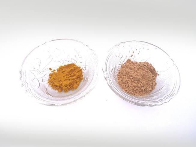 Sandalwood and turmeric powder