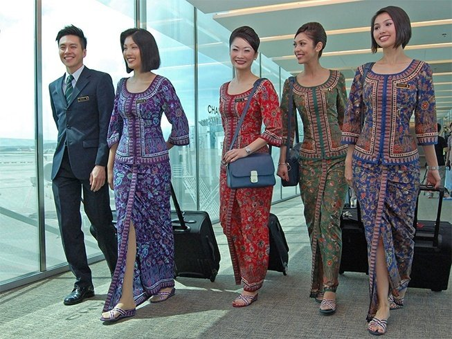 Singapore airlines crew uniform