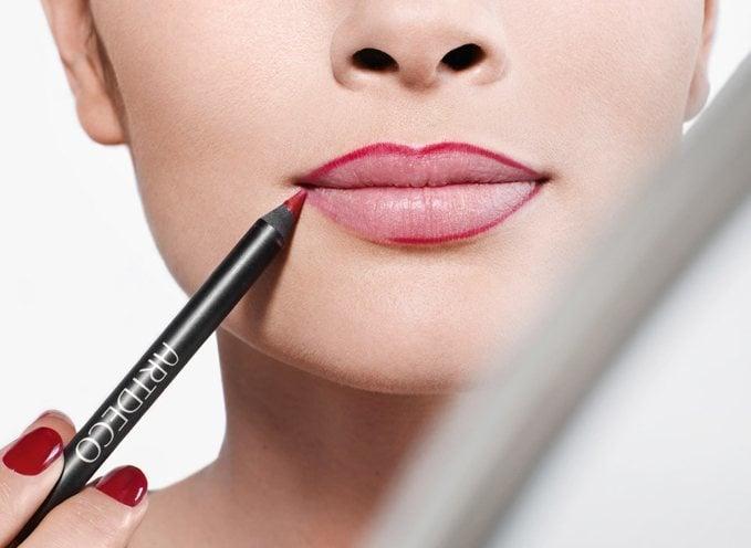 using lip liner