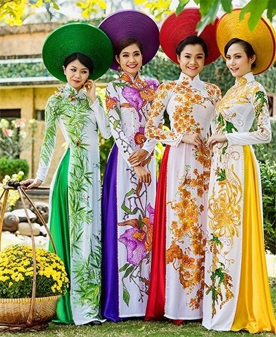 Vietnam traditional dresses