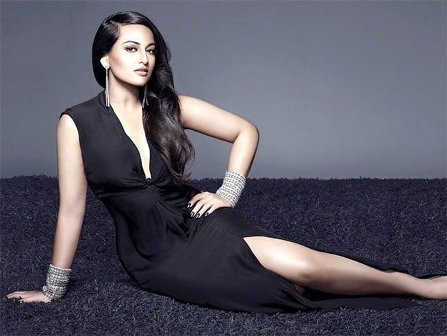 Curvy Bollywood Stars