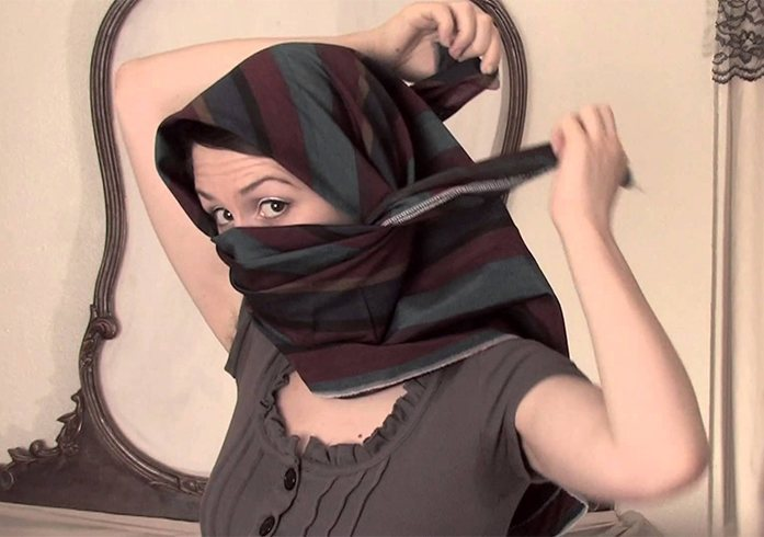 How To Tie a Shemagh Scarf