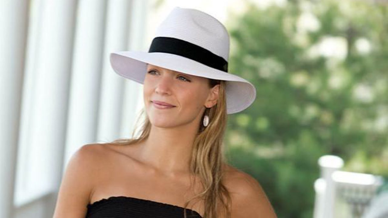 00ec0481 Style It Up This Winter: Learn How To Wear A Fedora Hat In Many Stylish  Ways .