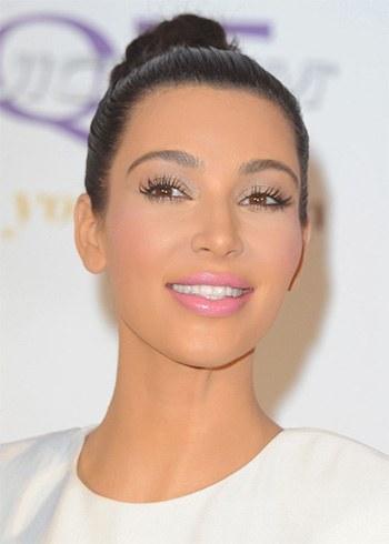 Kim Kardashian eyelash extensions