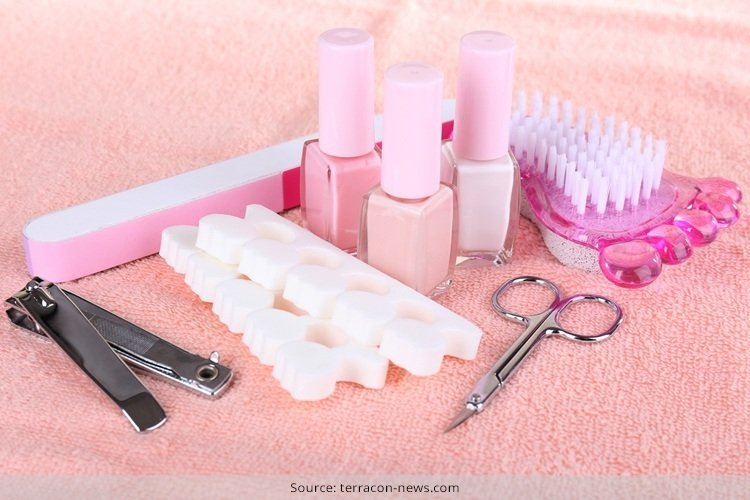 how to use pedicure tools