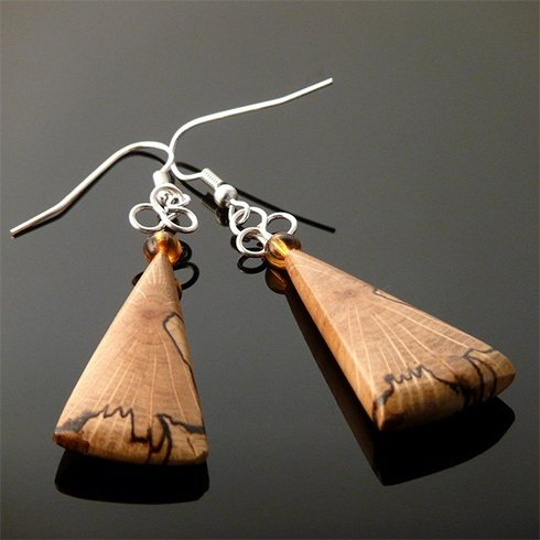 Wooden ear jewellery