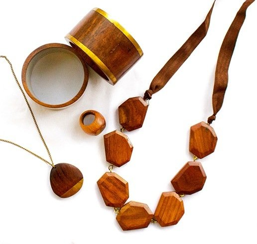 Wooden jewellery for women