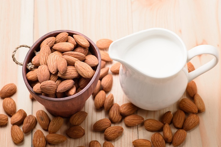 Yogurt and Almond Face Pack