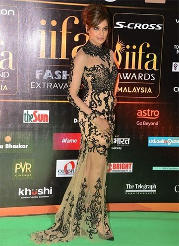 Sonaakshi Raaj Won Our Hearts With These Iconic Designs