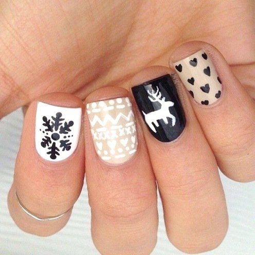 Chic christmas nails