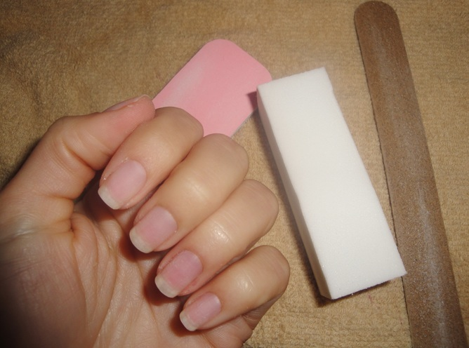 artificial nails at home
