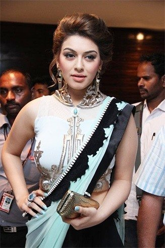 Hansika peachy pouty full lips