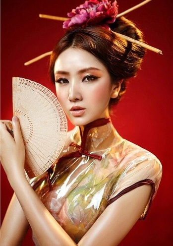10 Japanese Top Knot With Chopstick Hairstyles You Would