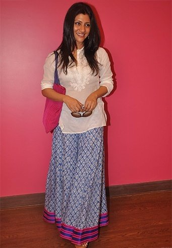Konkona Sen in cotton skirts