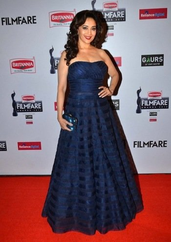 madhuri dixit in red carpet at the 60th britannia filmfare awards