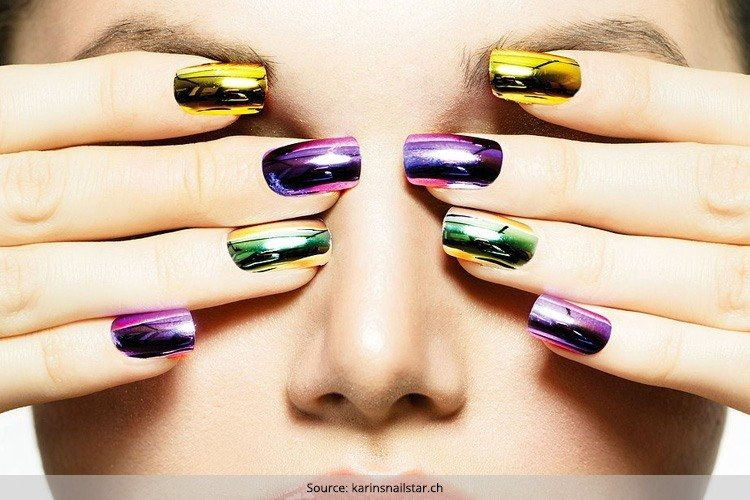 Gorgeous Looking Mirror Nails For Dashing Divas