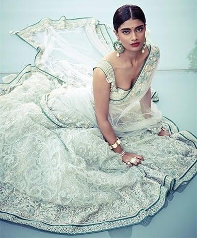 Tarun Tahiliani white bridal lehenga