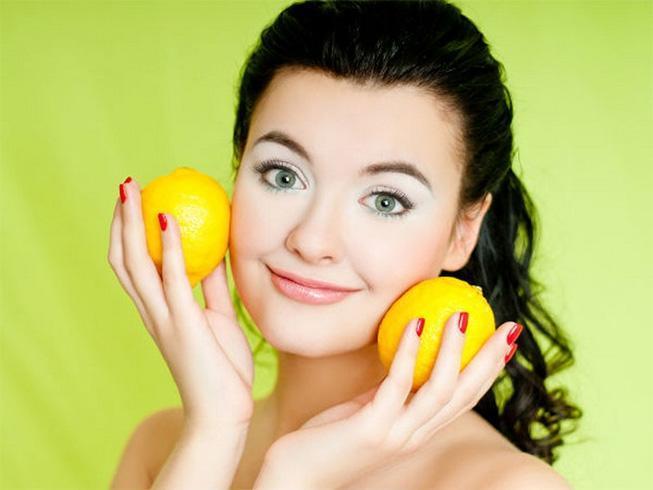 Using Lemon Juice To Lighten Hair
