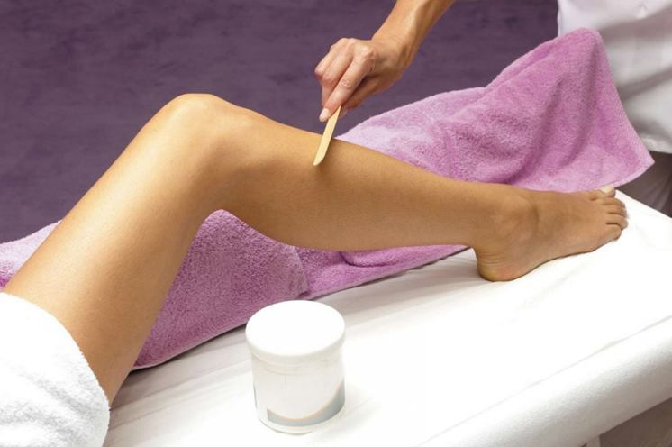 wax your legs at homes