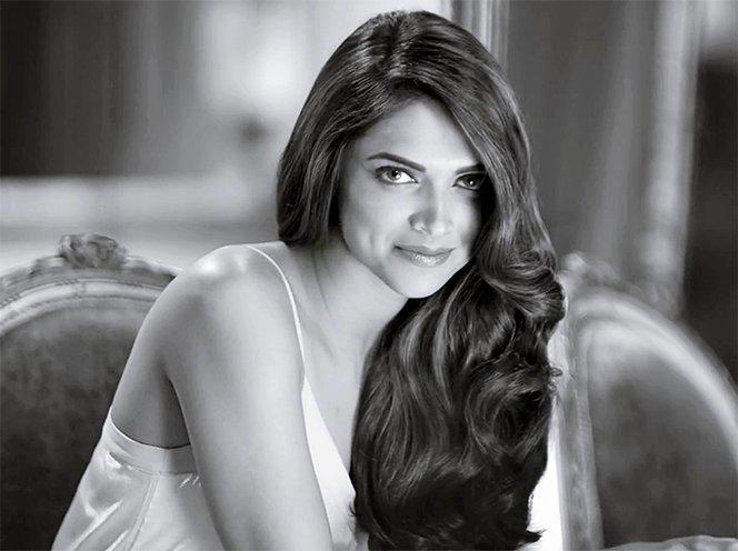 Deepika Padukone Gorgeous mane