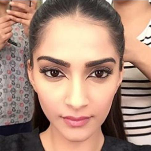 Sonam Kapoor bird eye makeup